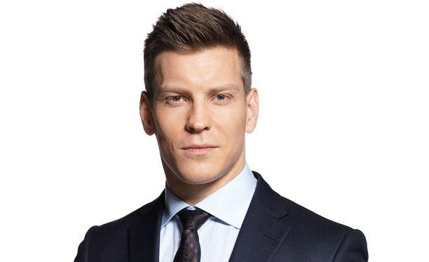 Antti Holma veti viime syksynä omaa nimeään kantavaa talk show'ta. Tänään hän palaa ruutuun fiktiivisenä hahmona.