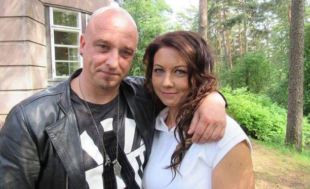 Sami ja Varpu Hintsanen ovat saaneet huonoja uutisia: Senja-tyttären syöpä on uusiutunut.