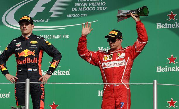 Max Verstappen ja Kimi Räikkönen juhlivat Meksikossa.