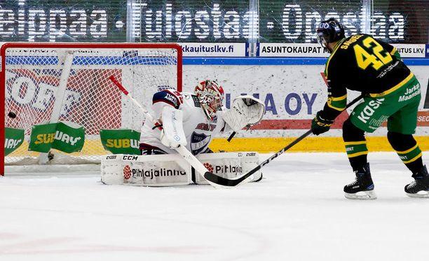 Ilveksen Sami Sandell ratkaisi joukkueelle tärkeän voiton HIFK:sta rankkareilla.