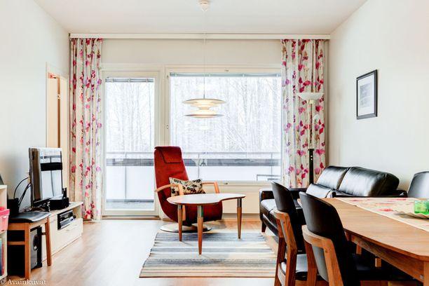 Villilästä on noin kahdeksan kilometrin matka Tampereen keskustorille. Asunto sijaitsee vuonna 2014 valmistuneessa talossa.