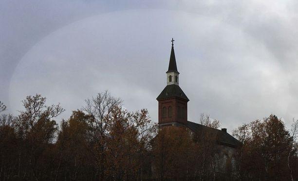 Utsjoen kirkko kuvattuna syksyllä 2016.
