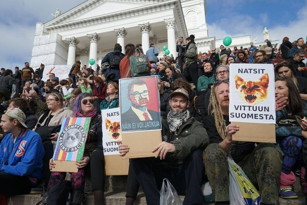 15 000 ihmistä marssi eilen Helsingissä.