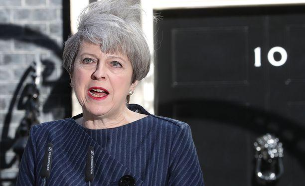 Yksi keskeinen syy sille, että pääministeri Theresa May määräsi ennenaikaiset vaalit, on FT:n mukaan se, että hän pelkäsi työväenpuolueen johtajan eroavan.