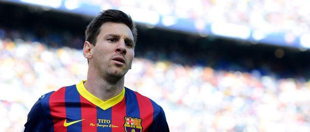 Lionel Messi on tuloillaan stadiin.