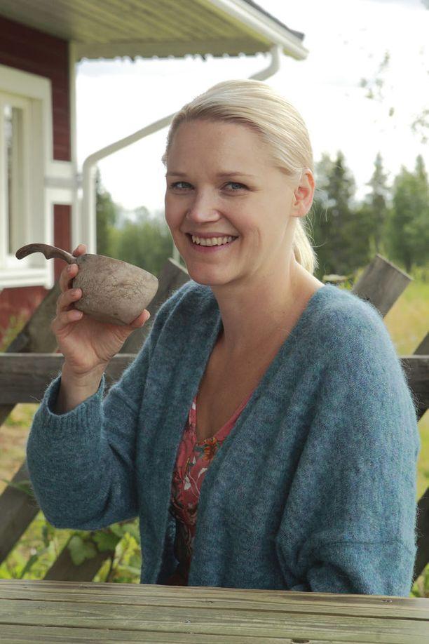 Näyttelijä Anna-Maija Tuokko on nauttinut Lapin rauhasta.