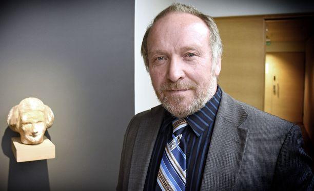 Kansanedustaja Teuvo Hakkaraisen saama pahoinpitelytuomio käsitellään vielä hovioikeudessa.