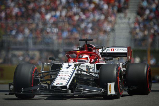 Kimi Räikkönen lähtee 16. sijalta Montrealissa.