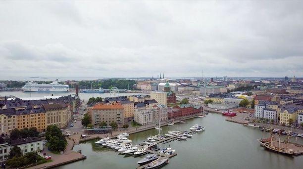 Miljoonakoti sijaitsee Helsingin Katajanokan merellisissä maisemissa.