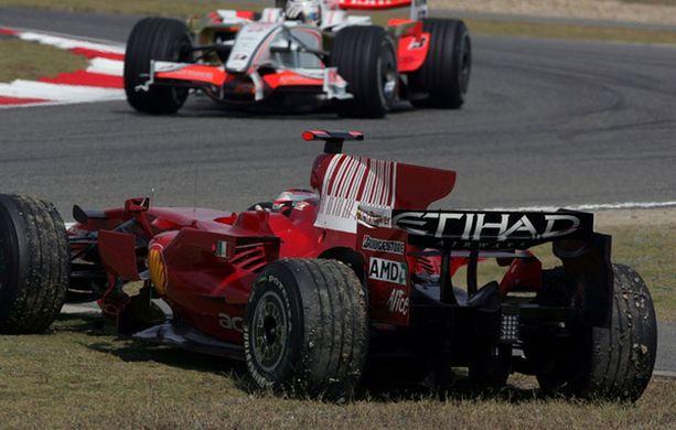 Nurmikolle pyörähtänyt Kimi Räikkönen täyttää tänään perjantaina 29 vuotta.