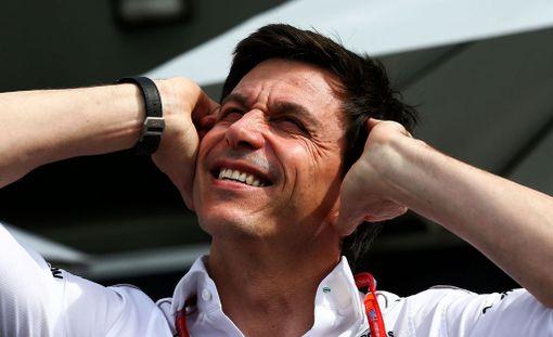 Toto Wolff oli kitkeränä Ferrarin vauhdista.