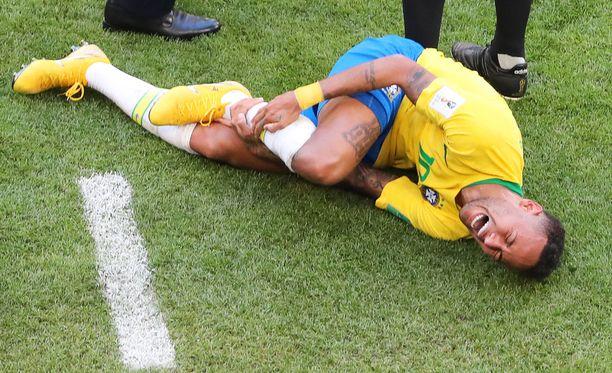 Tästä Neymar tuli MM-kisoissa valitettavan tutuksi.