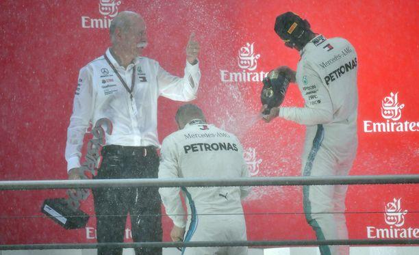 Lewis Hamilton sai sunnuntaina osakseen buuauksia, vaikka Saksan koitos olikin hänen tallinsa Mersun kotikilpailu.
