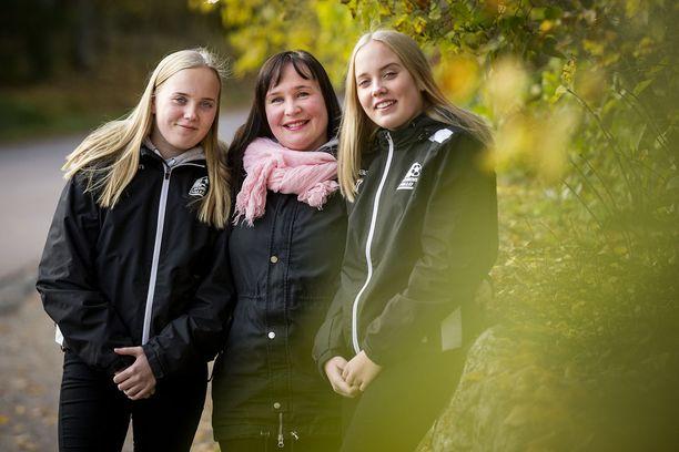 Rantasalon perheessä korvatulehdus on tuttu sairaus. Toistuvat tulehdukset ovat olleet nyt 15-vuotiaiden kaksosten, Karlan ja Kerttulin riesana useita vuosia.