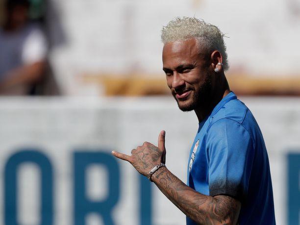 Neymarin tulevaisuus on jalkapallopiireissä kuuma puheenaihe.