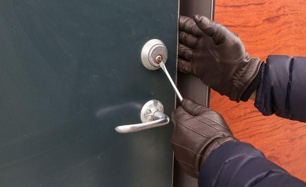 Tämän vuoden alussa asuntomurtojen määrä on poliisin mukaan kasvanut viime vuoteen verrattuna.