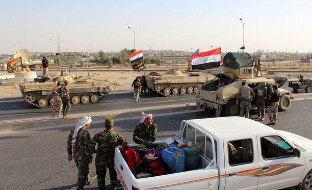 Sekä Irakin ja Irakin Kurdistanin joukot ovat Yhdysvaltain aseistamia ja liittolaisia sodassa Isisia vastaan.