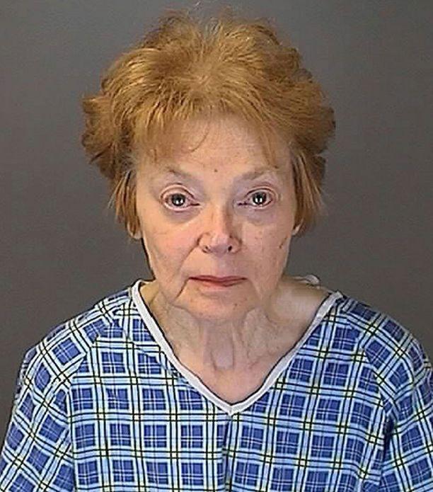 Sandra Layne vetosi oikeudessa itsepuolustukseen, vaikka ehti tunnustaa murhan poliiseille heti teon tehtyään.