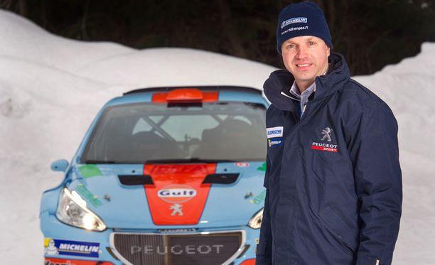 Juha Salo ei ollut vielä starttihetkellä sinut uuden R5-Pösönsä kanssa.