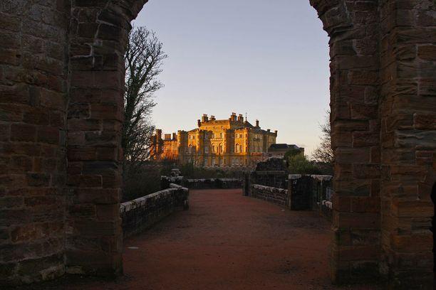 Culzeanin linnaa riivaa kummitteleva säkkipillinsoittaja.