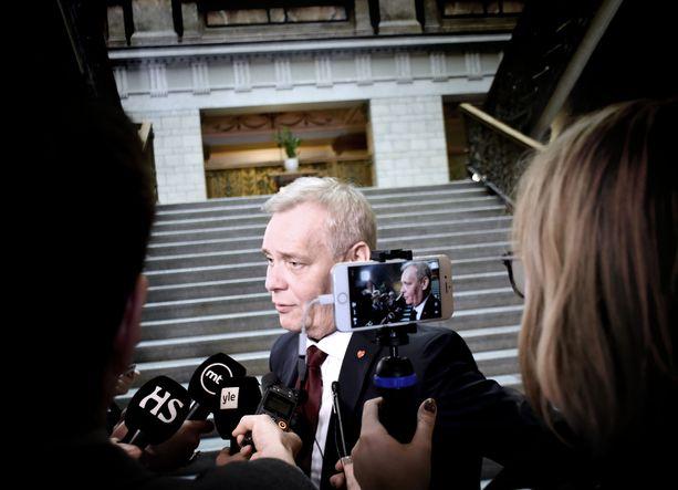 Rinteen mukaan Sipilän ulostuloa käsiteltiin perjantaina puheenjohtajien kesken.