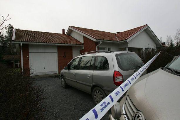 Jukka S. Lahti surmattiin kotonaan Ulvilassa 26. joulukuuta 2006.