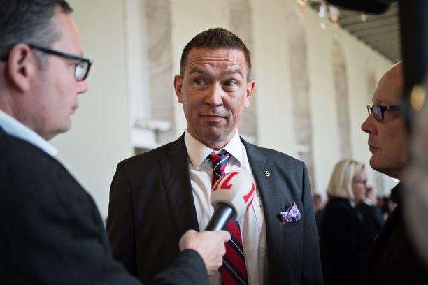 Kansanedustaja Packalén eduskunnan istuntokauden avajaisissa vuonna 2017.
