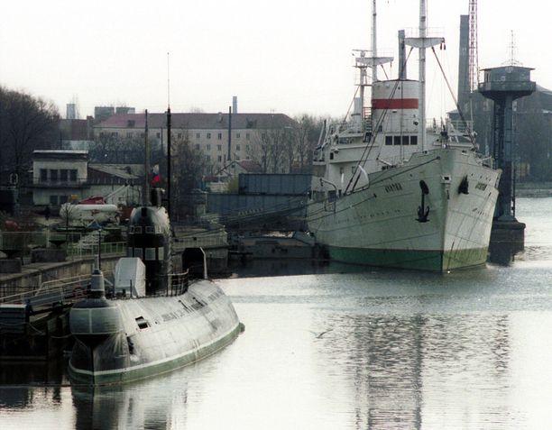 Rostelecomin tarkoituksena on rakennuttaa uusi merenalainen kuituoptinen tietoliikennekaapeli Venäjän Leningradin alueen ja sotilaallisesta merkityksestään tunnetun Kaliningradin alueen välille. Kuva on vuodelta 2001.