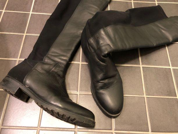 Nahkakenkiä on hyvä lankata parin viikon välein, jos ne ovat tiuhassa käytössä. Näissä kengissä pitkät varret olisi hyvä tukea, kun kengät eivät ole käytössä.