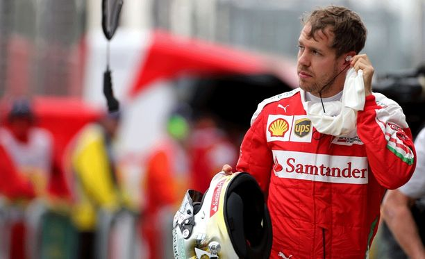 Sebastian Vettel käveli pois aika-ajon ollessa yhä käynnissä.