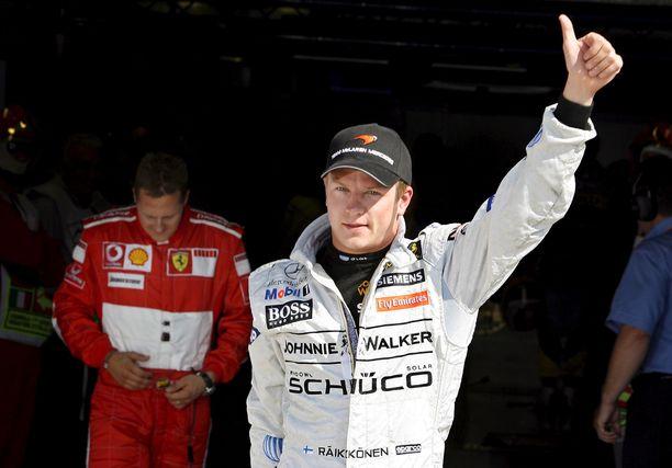 McLarenilla kisannut Kimi Räikkönen korvasi Ferrarilla F1-legenda Michael Schumacherin. Saappaat olivat suuret, mutta Räikkönen onnistui mestaruusjahdissa.