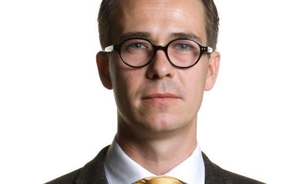 Carl Haglundin täytyy osoittaa, että hän on kaikkien suomalaisten puolustusministeri. Alku lupaa hyvää.