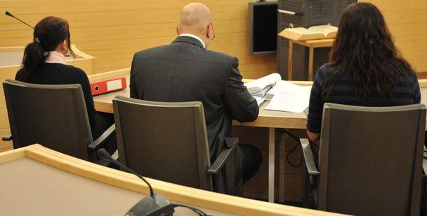 Siskosten syytteet hylättiin hovioikeudessa.