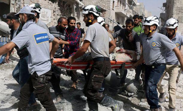 Venäjän ilmaiskuissa Syyriaan on kuollut vuoden aikana arviolta 9 300 ihmistä, kertoo The Syrian Observatory for Human Rights.