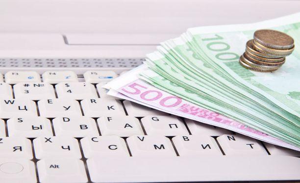 IT-ammattilaisen keskiansio on 4 501 euroa kuukaudessa.