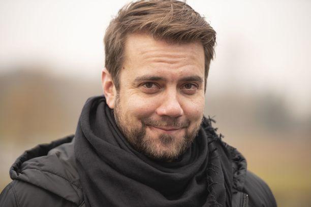 Laulaja Antti Ketonen teki yllätysvedon ja muutti Salosta pääkaupunkiseudulle.