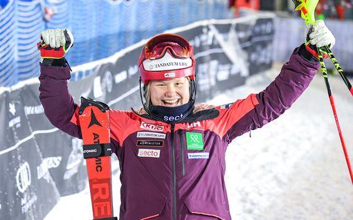 """Vasta 17-vuotias Rosa Pohjolainen tykitti läpimurron alppihiihdon huippujen joukkoon: """"Annan itselleni täyden kympin"""""""