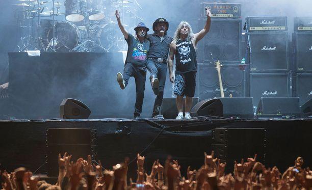 Motörhead veti kuluneen vuoden aikana merkittävän kiertueen. Kuvassa Phil Campbell (vas.), Lemmy Kilmister ja Mikkey Dee.