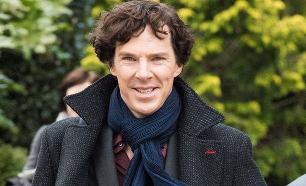 Benedict Cumberbatch on työskennellyt lukuisissa elokuvissa, televisiossa, teatterissa että radiossa. Uusi Sherlock-sarjassa mies näyttelee pääroolia.
