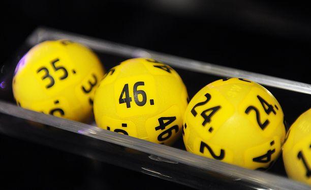 Eurojackpotin pelaaminen käynnistyi maaliskuussa 2012.