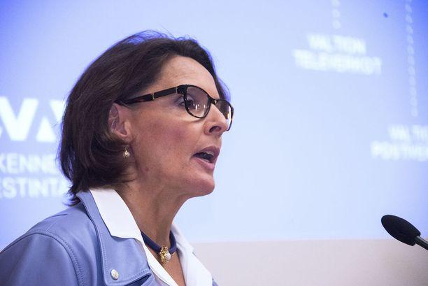 Liikenne- ja viestintäministeri Anne Bernerin (kesk) mukaan hallituskumppaneilla oli liikenneselvityksestä koko ajan tietoa saatavilla.