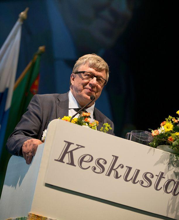 Keskustan puoluesihteeri Timo Laaninen ärsytti kulttuurieliittiä heitollaan, että kulttuuriministeri on neuvottelujuttu ja imagokysymys.