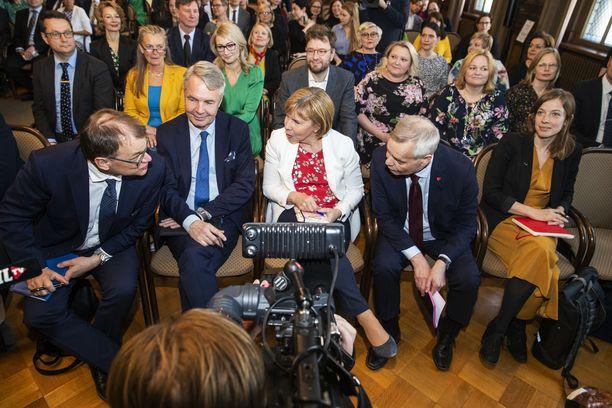 Rinteen hallituksessa on 19 ministeriä. Haavistosta tulee ulkoministeri ja Harakasta työministeri.