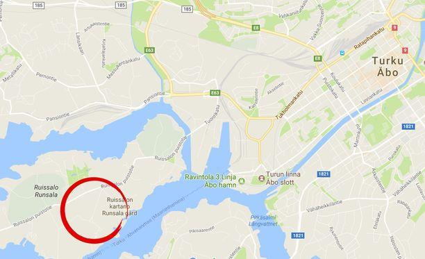 Turun Sanomien mukaan Pikku-Pukintie on ollut suljettuna liikenteeltä puolesta päivästä lähtien Ruissalon puistotien ja Jarno Saarisen tien väliltä.