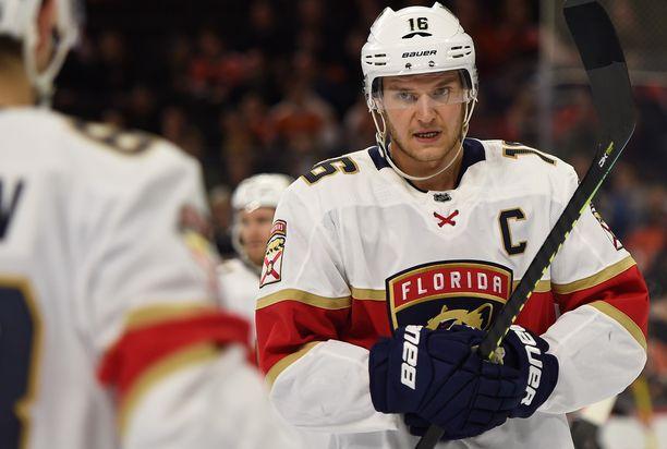 Florida Panthersin Aleksander Barkov on NHL:n pistepörssissä jo sijalla viisi.