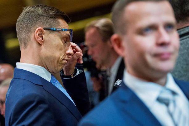 Kokoomuksen puheenjohtaja Alexander Stubbilla on edessään ratkaisevan tärkeä viikonloppu. Petteri Orpo halajaa puheenjohtajaksi Stubbin paikalle.