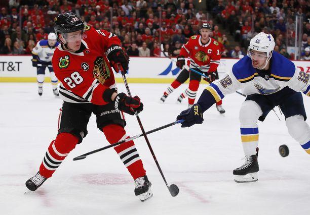 Chicago Blackhawks lähetti Henri Jokiharjun (28) farmijoukkueeseensa AHL:ään.