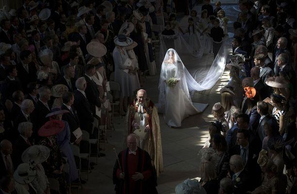 Prinssi Harry ja näyttelijä Meghan Markle vihittiin Windsorin linnan Pyhän Yrjön kappelissa 21. toukokuuta.