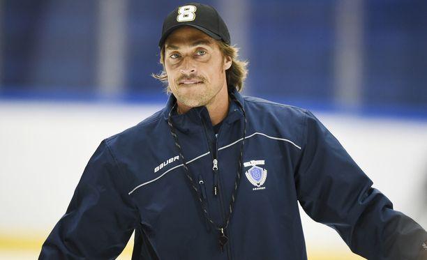 Teemu Selänne on antanut Leijonien johdolle raportteja suomalaisista NHL-pelaajista.