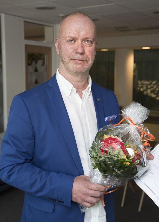 Iltalehden rikos- ja oikeustoimittaja Risto Kunnas vastaanotti tiistaina  Suomalaisen Sanomalehtimiesliiton Olli-palkinto tunnustuksena ansiokkaasta journalistin työstä.